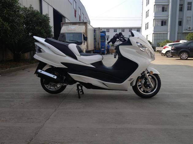 Gas Scooter with 150cc Air-Cooling Engine
